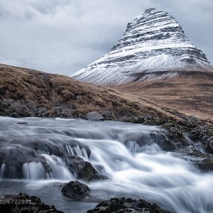 Flow: Beautiful Fjords, Fosses, Waterfalls of Iceland by Jens Klettenheimer