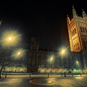 British Parliament Building by Didier Kobi